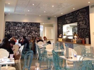 Blushing: cafézinho bom e localização excelente