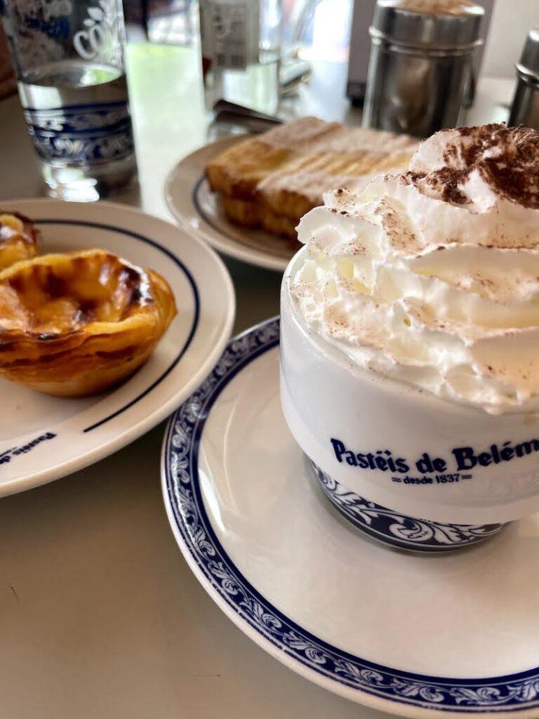 Café da manhã no Pastel de Belém